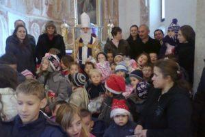 Sveti Nikola darivao djecu na Kalniku
